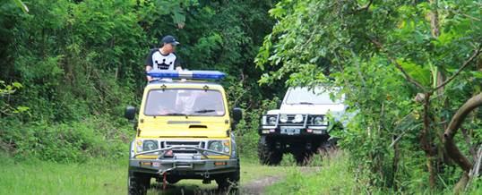 Paket Outing Perusahaan Jeep Kuning