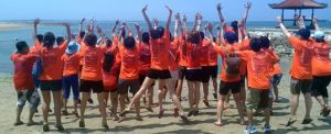 Outbound di Bali - The Susshi Bar Foto Sesion Lompat