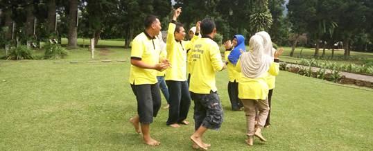 Outbound di Candi Kuning Bedugul, Bali - SDN Kota Kulon 1 Garut 5