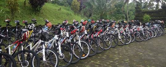 Contoh Family Gathering Bersepeda atau Cycling - G200519