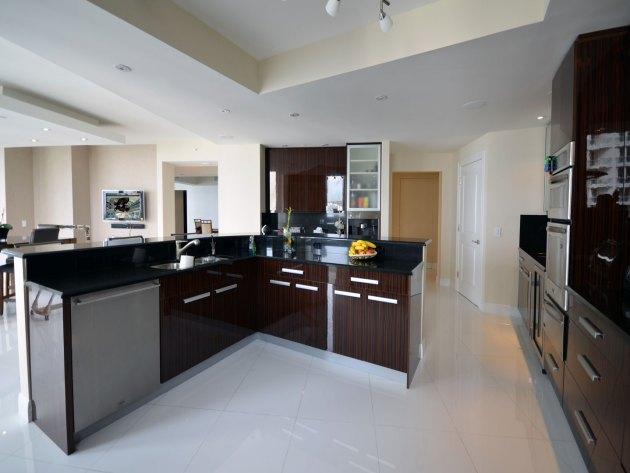 Contemporary-Kitchen-Miami-42