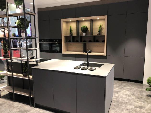 Contemporary-Kitchen-Miami-55