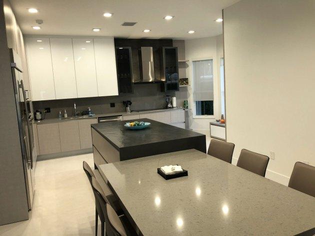 Contemporary-Kitchen-Miami-38