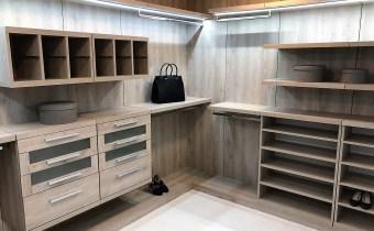 custom closets with LED