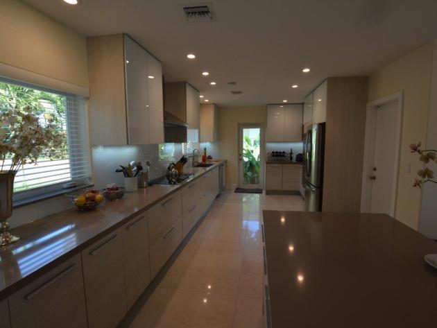 Contemporary-Kitchen-Miami-26