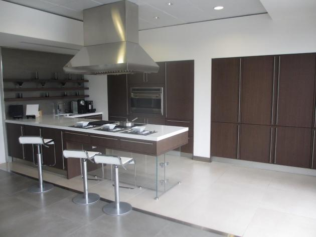 Contemporary-Kitchen-Miami-08