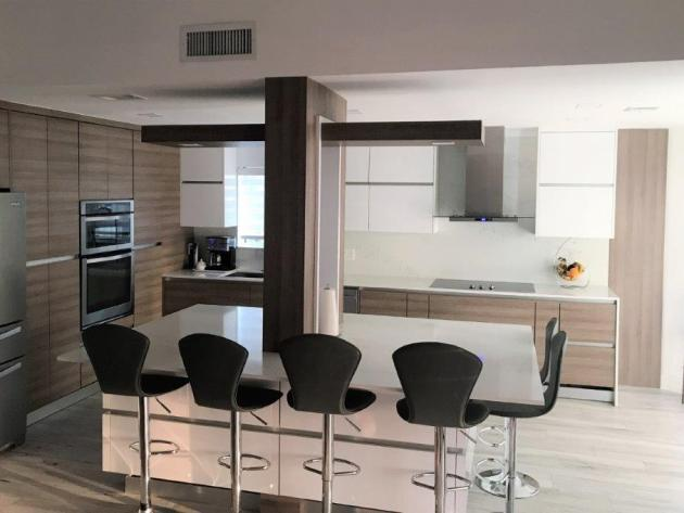 Contemporary-Kitchen-Miami-59