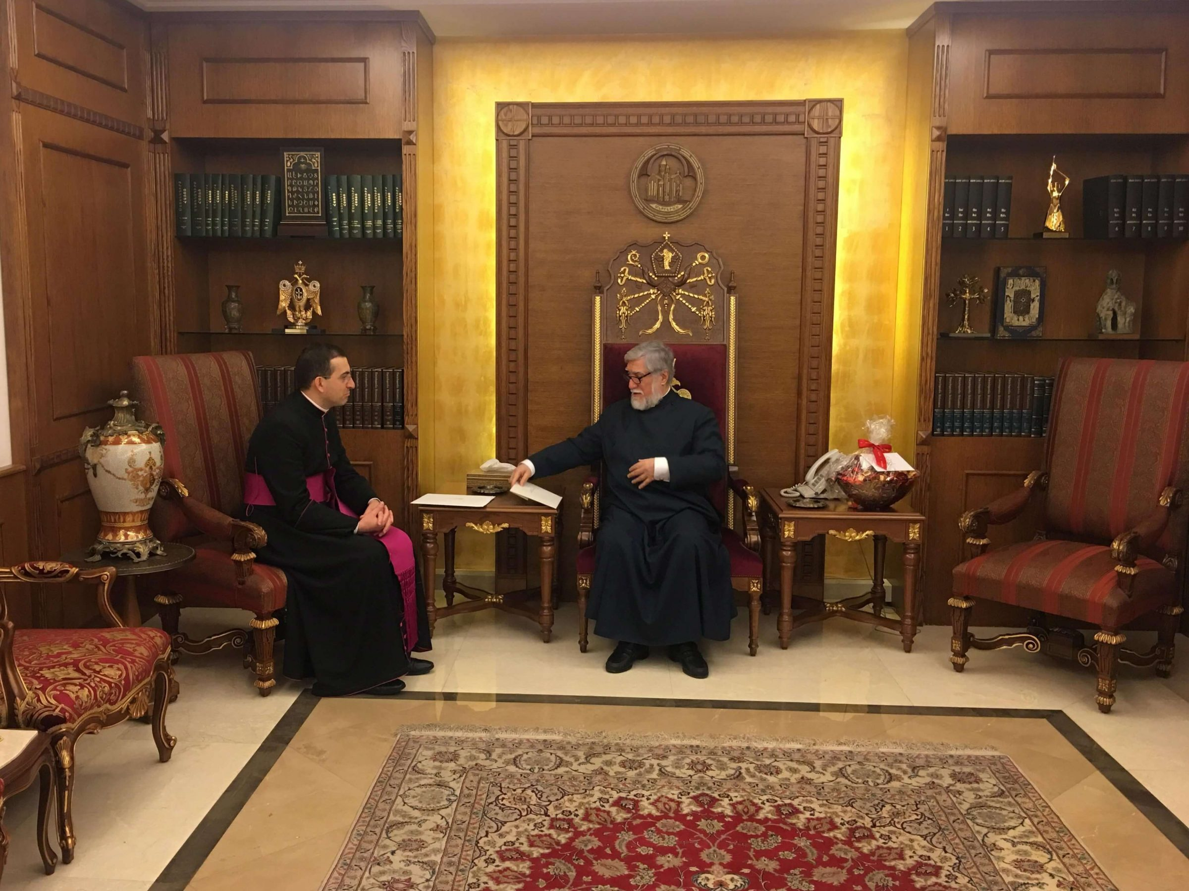His Holiness Aram I Receives Christmas Greetings From Pope Francis