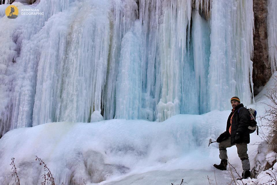 Սառցե ջրվեժ Ազատի կիրճում