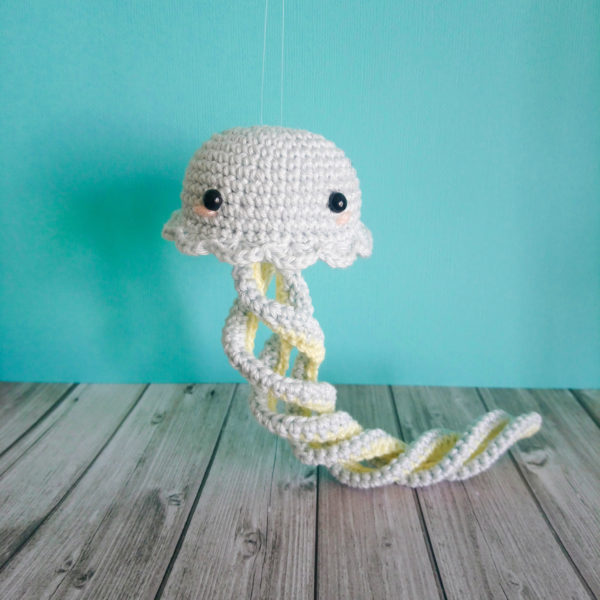 Rainbow Jellyfish - free crochet amigurumi pattern! Video tutorial ... | 600x600