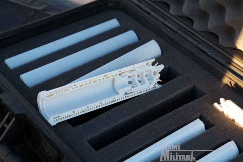 SHOT Show 2014 - Media Day Preview - HK Prototipo di silenziatore interno