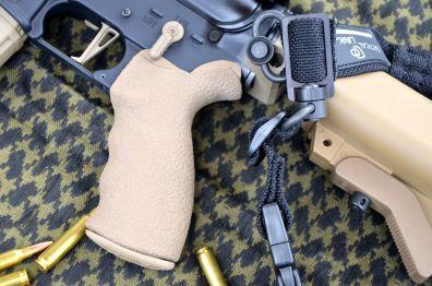 LMT - Pistol grip
