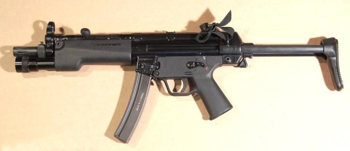MKE T94 - Con calciolo estensibile aperto