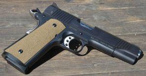 L'arma vista dal lato destro