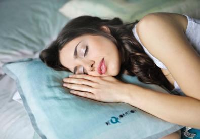 sonno-dormire-benefici-dolore