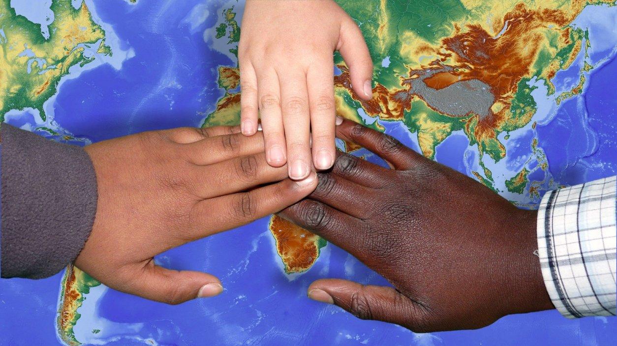 diversità-immigrazione-felici-felicità