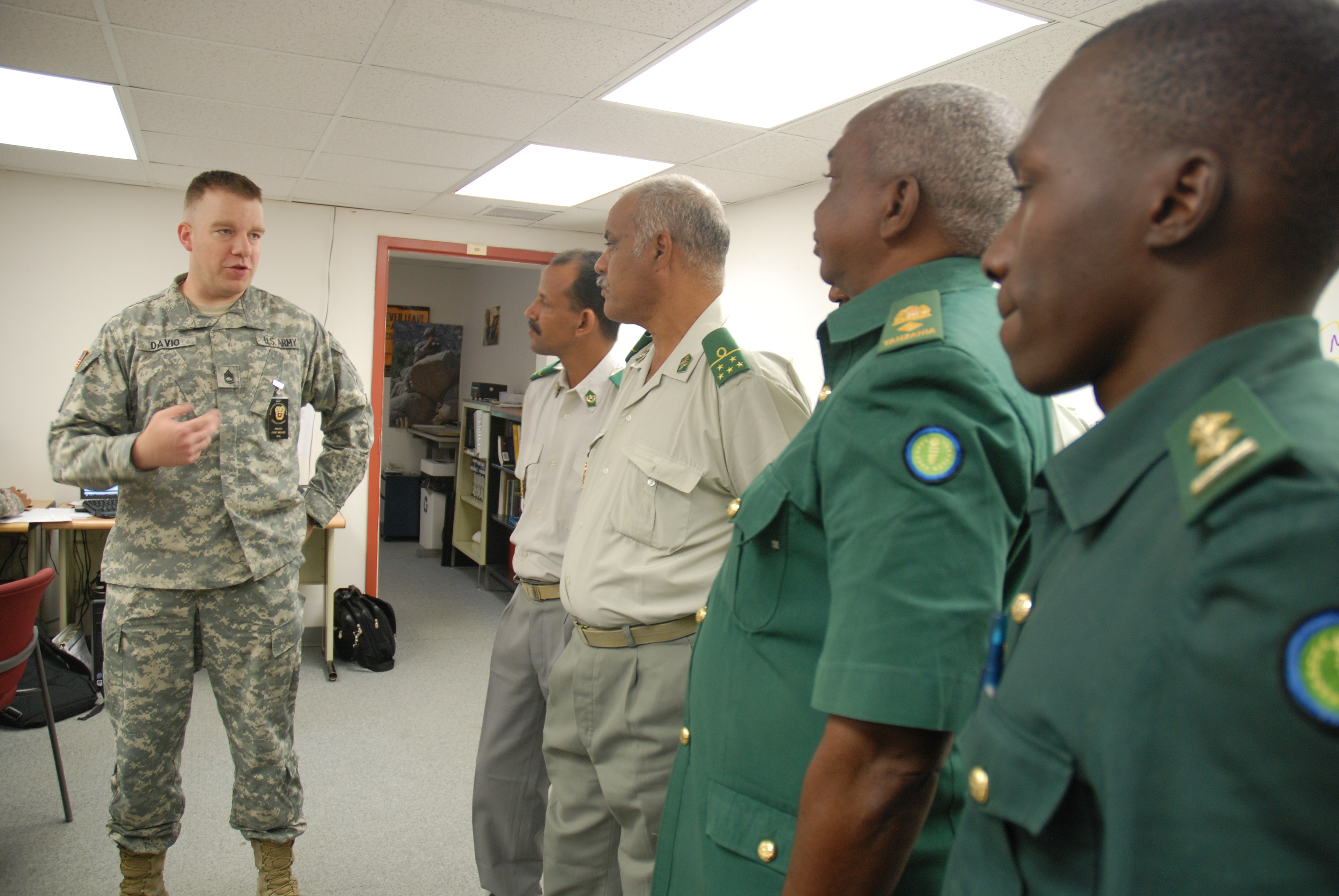 African Public Affairs Officers Tour Dod S Communication Hub