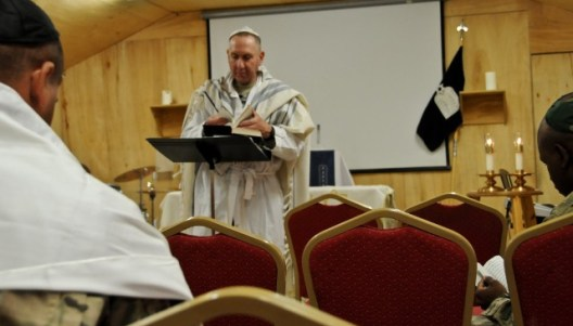 avi weiss conducting prayer in afghanistan