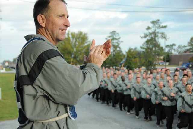 Marne Soldiers Rock Through Historic Division Run