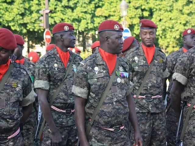 """Résultat de recherche d'images pour """"togo parachutistes armée togolaise"""""""