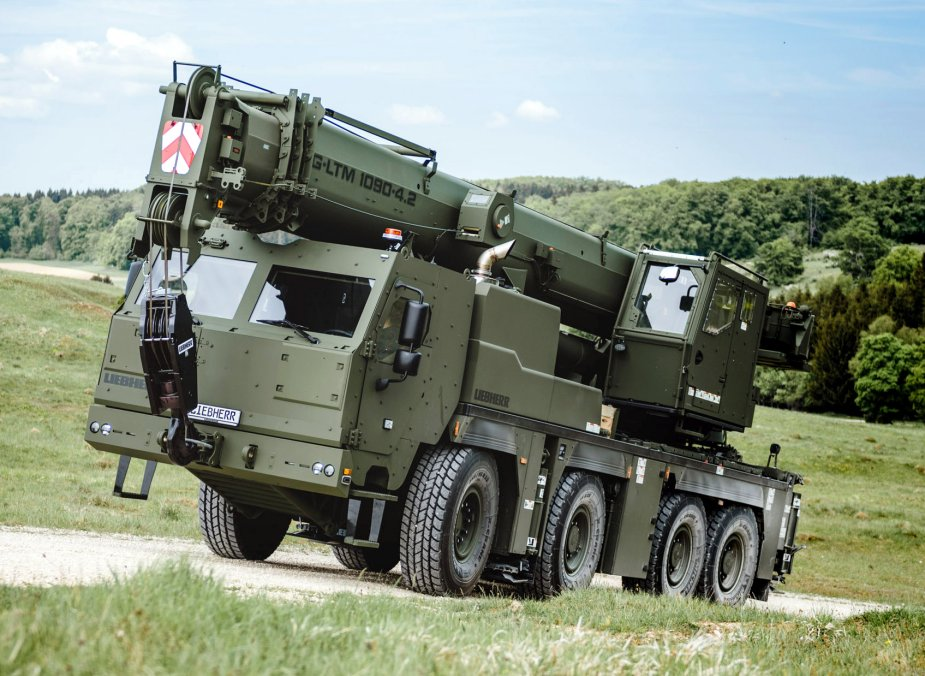 Liebherr ships first mobile and recovery cranes to the Bundeswehr 1