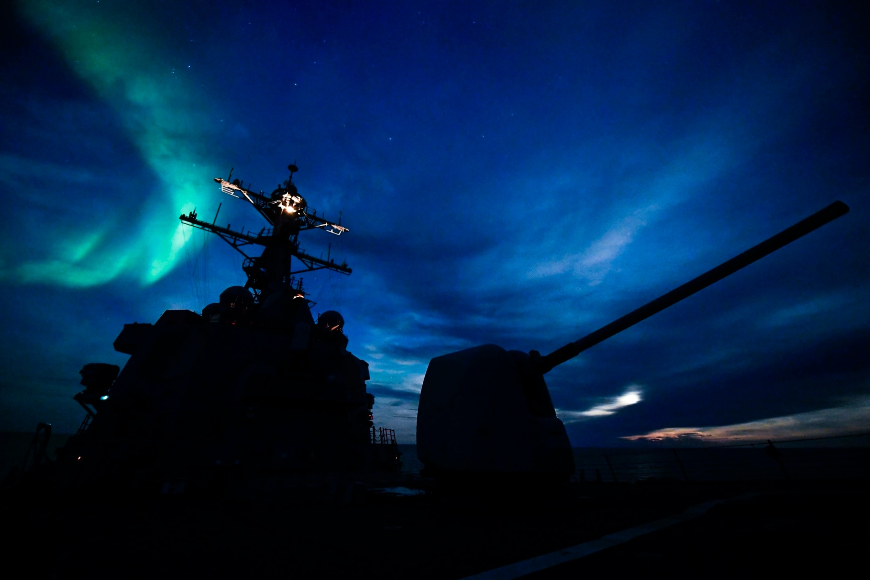 The Arleigh Burke-class guided-missile destroyer Oscar Austin transits the Arctic Circle on Sept. 5, 2017. The U.S. Navy ship was on a routine deployment supporting U.S. national security interests in Europe. (MC2 Ryan U. Kledzik/U.S. Navy)