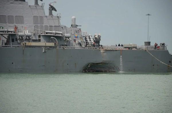W2O2I2FQZZF6DN7Y6Z4LVNQCDU Американские моряки разучились крутить штурвал