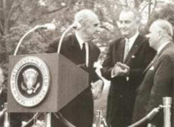 Γεώργιος Παπανδρέου-Lyndon Johnson, 23 Ιουνίου