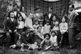 21Dini-Nazzareno-Antonio-+Mugnai-Nello-anno1934-la-biondina-in-braccio-é-la-figlia-del-Dott.-Cecchi-G.