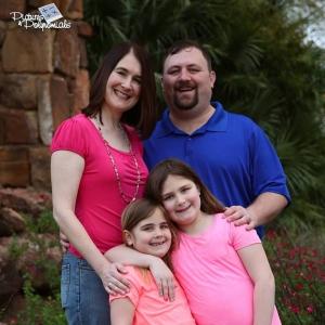 Shane & Kari Saunders Family