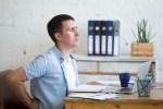 Douleur de dos au bureau ? Le combo gagnant pour stopper la torture quotidienne