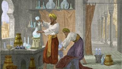 ماذا تعرف عن تاريخ صناعة العطور؟