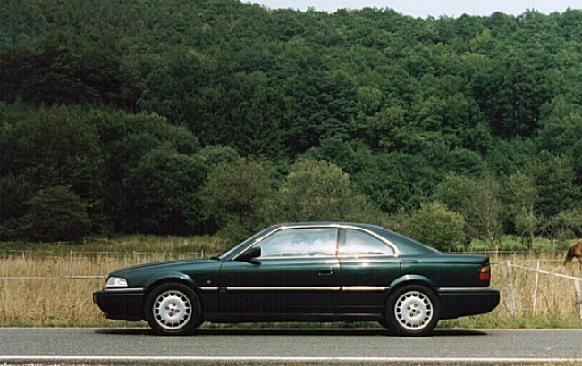 Production reality: The 800 Coupé was an expensive deal when it was launched, but there was no doubting that from some angles it looked very good... and that interior was a triumph of design