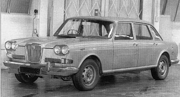 "Wolseley 3Litre: ""...the best car we never made"", according to BMC test drivers. This double-sided prototype demonstrates two different styling schemes, which could have clothed the Rover V8 engine - it looked interesting and would have made an interesting flagship for the BMC range. However, the existence of Jaguar, and then Rover and Triumph would make its production a luxury for the company. The return would not have justified the investment."
