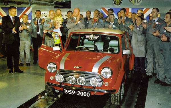 The last Mini comes off the line in October 2000... (Picture: Ian Nicholls)
