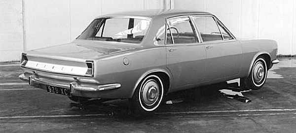 929 XC: Chrysler Detroit's proposal represented a simple downscale of current American thinking...