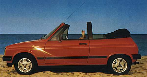 Profile view of the cabriolet - very pretty...