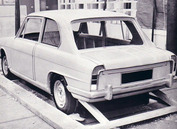 The rear view of the clay Ajax shows many similarities to the final, production Triumph 1300. At this stage in development, a two-door version was still on the cards. As it was initially drawn up as a replacement for the Herald, the two-door bodywork was deemed important to the model.