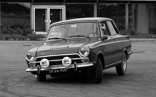 Ford Cortina epitomised the conservative tastes of British buyers and its low running costs ensured that fleet buyers favoured this kind of car over the more mechanically adventurous BMC oppositon.