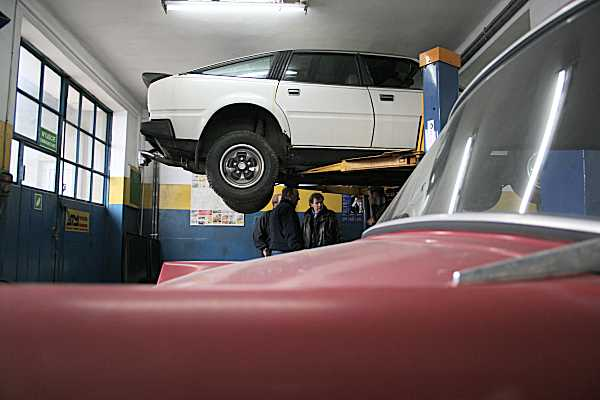 Safely ensconced in Jerzy Halajda's garage in Czestochowa, our Rover was soon under intense scrutiny...