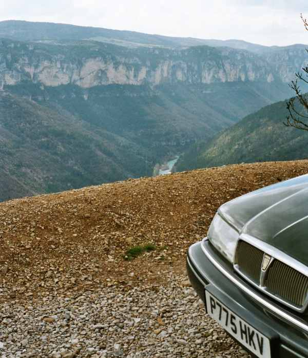 Rover 800 at the Tarn Gorge in France