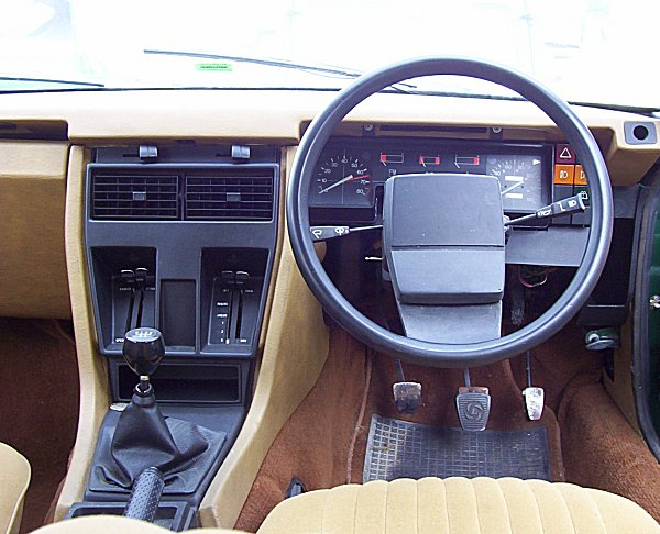 Dashboard shows much design commonality with the SD1. Steering wheel design and instrumentation look particularly appealing, as do the multi-coloured auxiliary switches