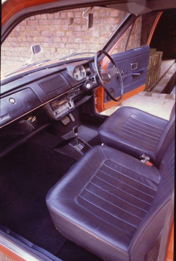 Marina's interior in Mk1 form is very derivative, but at least it is spared the angled centre console of the later versions