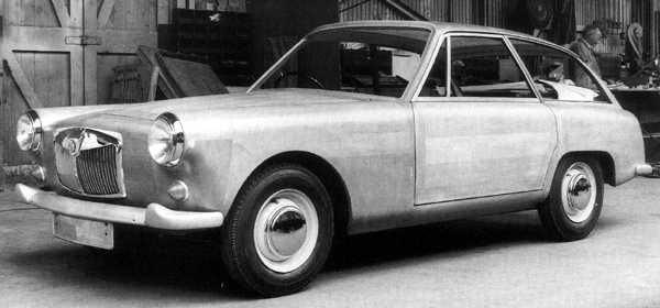 This wooden model, photographed in March 1959, clearly shows the interesting passenger door cut-out, which extends into the rear wheel-arch area, presumably with the aim of facilitating access to the rear seats.