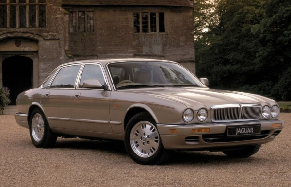 The cars : Jaguar X300/X308