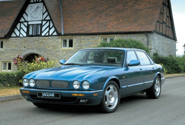 Supercharged straight-six in the XJR was good for 322bhp...