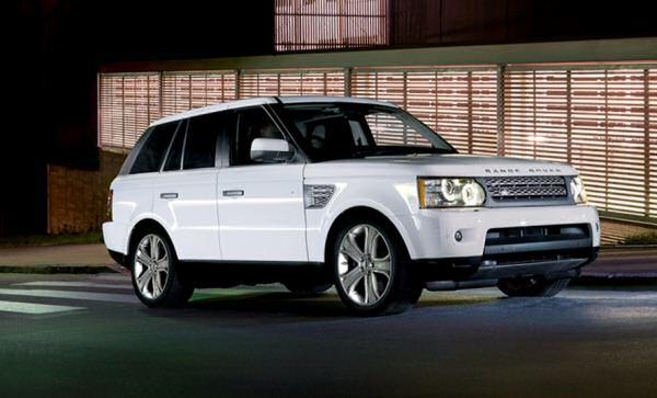 2010 Land Rover Sport tows the corporate line
