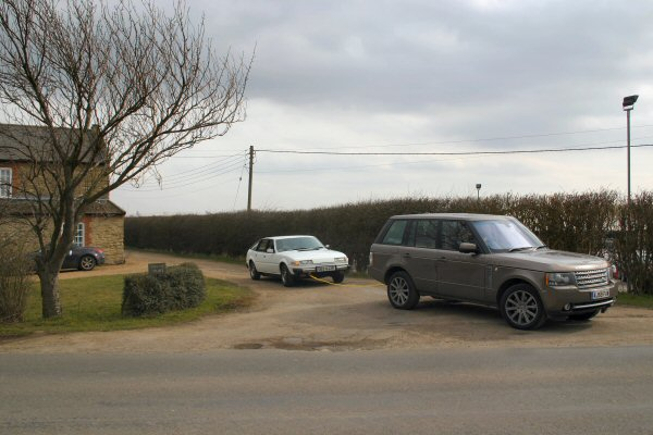 Rangie rescues Rover... off to the local garage