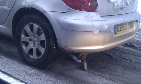Peugeot driver struggles with poor conditions