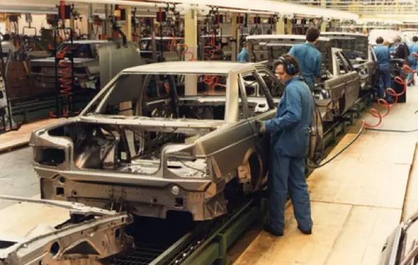 Rover 800 production at Cowley.
